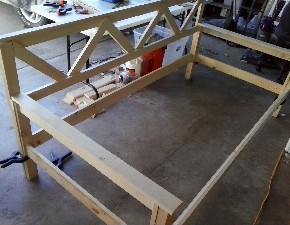 Daybed assembly